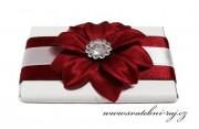 Zobrazit detail - Krásná čokoládka s květem