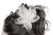 Zobrazit detail - Květ do vlasů bílý