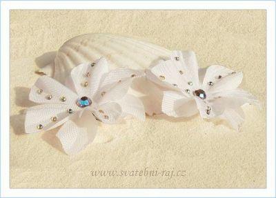 Krásná květina do vlasů se šatony