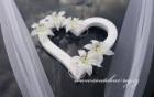 Srdce na automobil s liliemi
