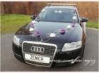 Svatební ozdoba na auto fialové růže