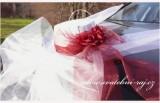 Cylindr na automobil s růžemi