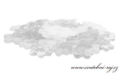 Bílé akrylové kytičky