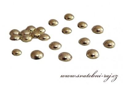 Kapky rosy zlaté