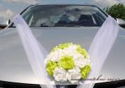 Kytice na auto s růžemi