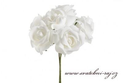Pěnová růže bílá