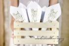 Papírové kornouty na rýži a růže
