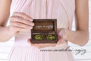 Dřevěná krabička na snubní prsteny